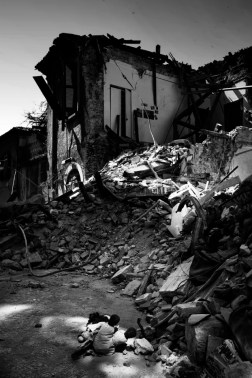 A view of the historical centre badly damaged by the earthquake. L'Aquila, Italy 2009. © Matteo Bastianelli