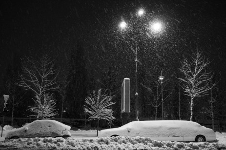 Snow-covered cars in the center. Bucharest, Romania 2014. © Matteo Bastianelli