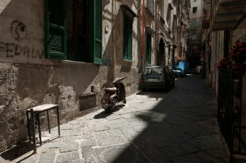 A view of a characteristic alley of Naples, Italy 2017. © Matteo Bastianelli