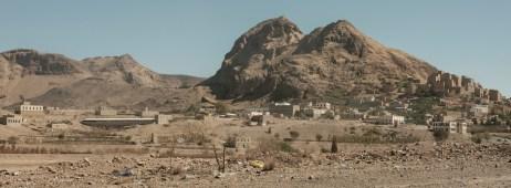 A view of a village between Sana'a and Damar, Yemen 2018. © Matteo Bastianelli