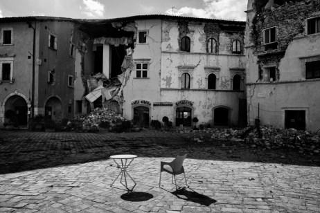 The Martiri Vissani square, badly damaged by the earthquake. Visso, Italy 2016. © Matteo Bastianelli