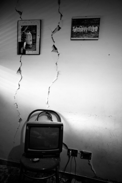 Recollections inside a house. L'Aquila, Italy 2009. © Matteo Bastianelli