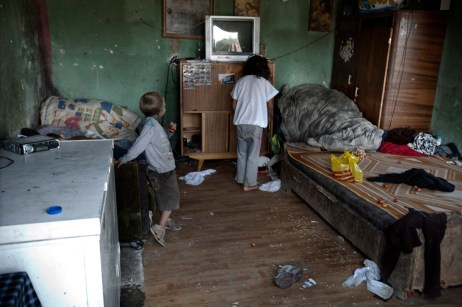 Some children in their bedroom at the Podturen commune (Međimurje), Croatia 2009. © Matteo Bastianelli