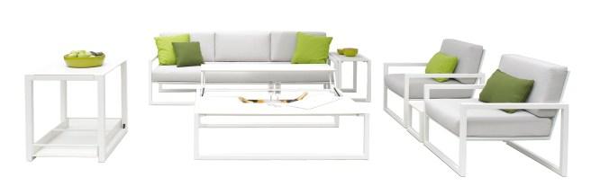 Nuovo prodotto 2015 all'interno di una collezione pre-esistente: NINIX lounge nuovo tavolo trasformabile e nuovo divano