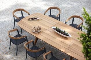 Tavolo allungabile Zidiz 320 e sedie Jive 55