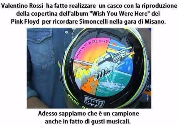 """Casco di Valentino Rossi con la copertina di """"Whish you were here"""" dei Pink Floyd"""
