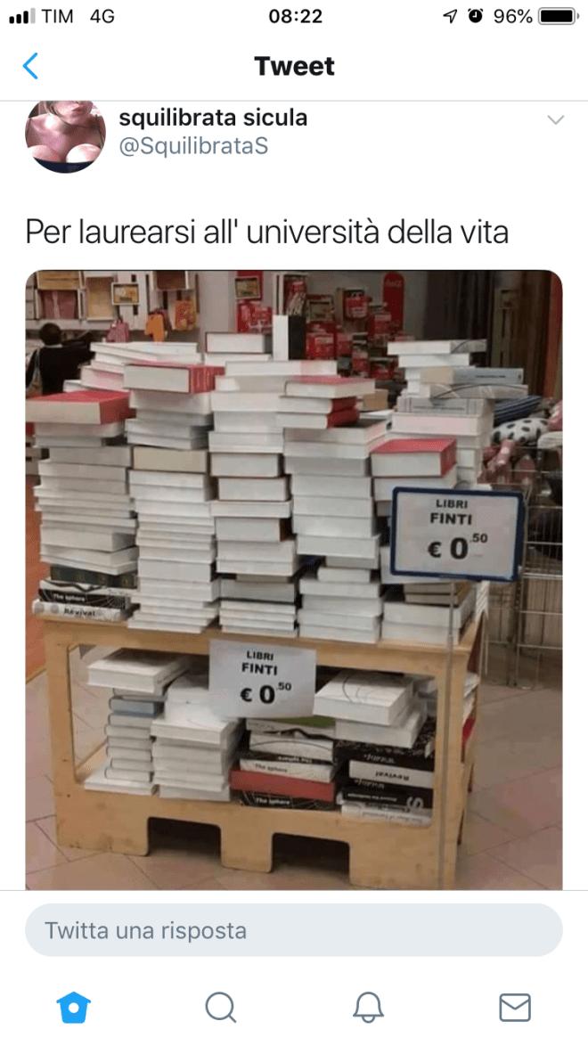 Libri finti per laurearsi all'Università della vita