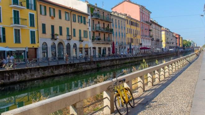 Una bici lungo i navigli di Milano
