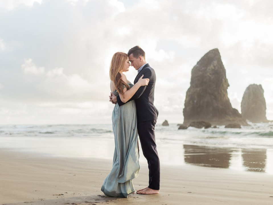 matt-erickson-photography-cannon-beach-enagement-photos-34.jpg