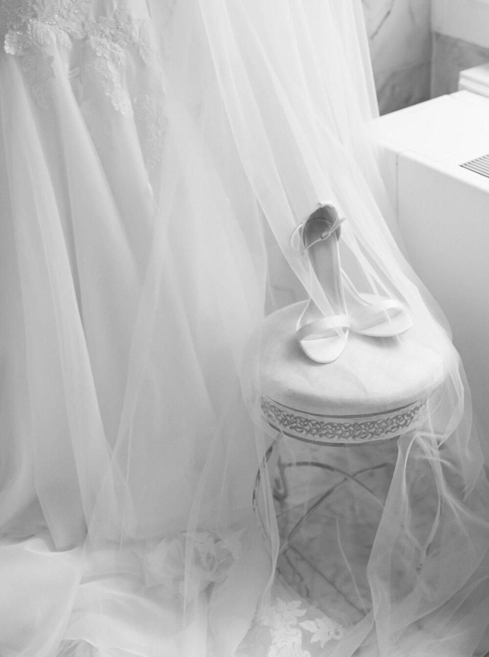 Romantic Tudor Arms Hotel Wedding Photos-22.jpg