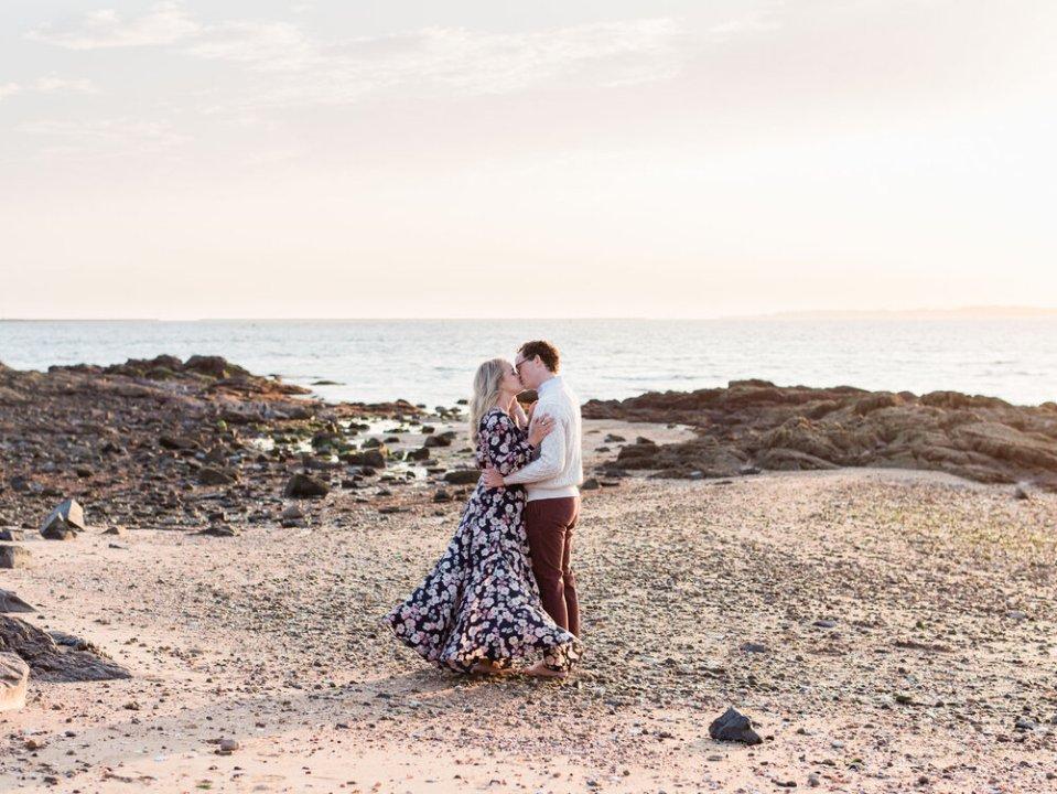 Romantic+&+Joyful+Engagement+Photos+at+Lighthouse+Point+Park-2.jpg