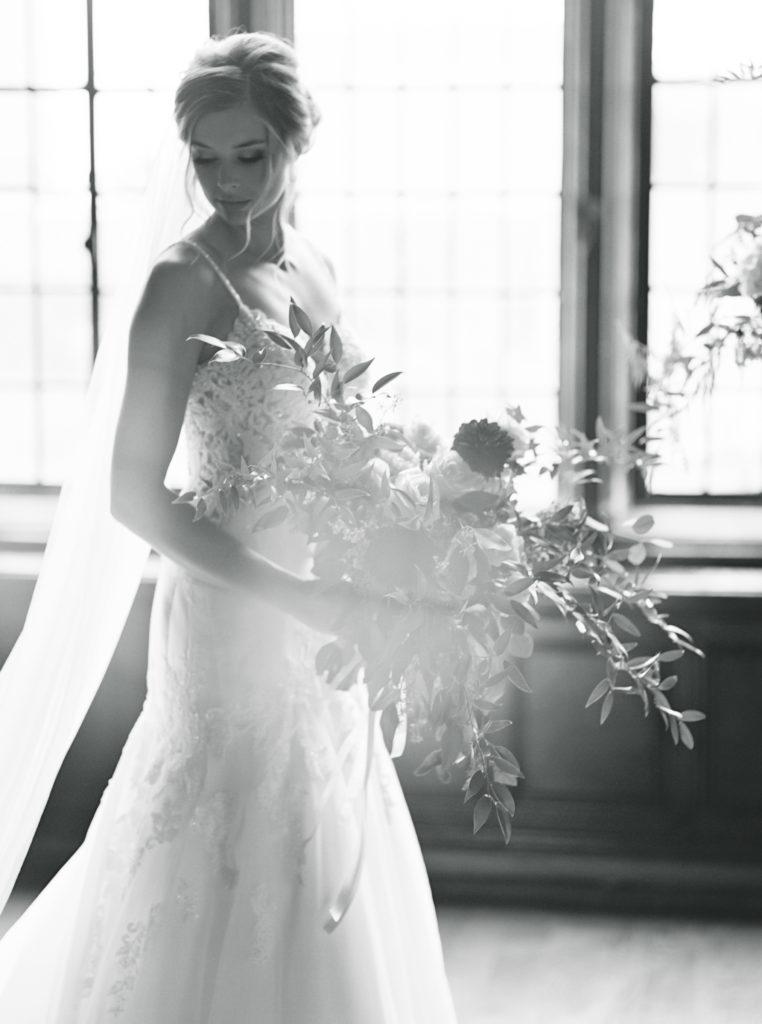 Romantic Tudor Arms Hotel Wedding Photos - Matt Erickson Photography