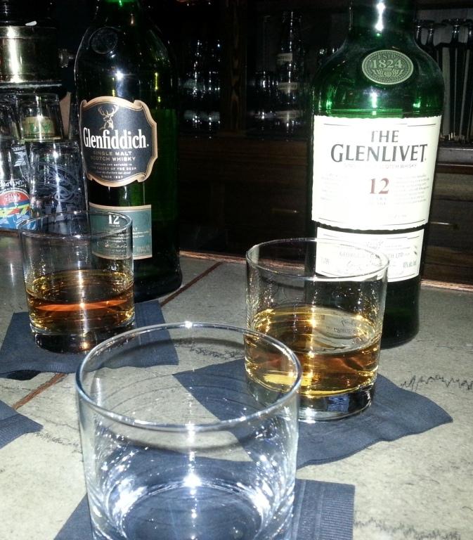 Glenlivet 12 & Glenfiddich 12 [Whiskey Wednesday]
