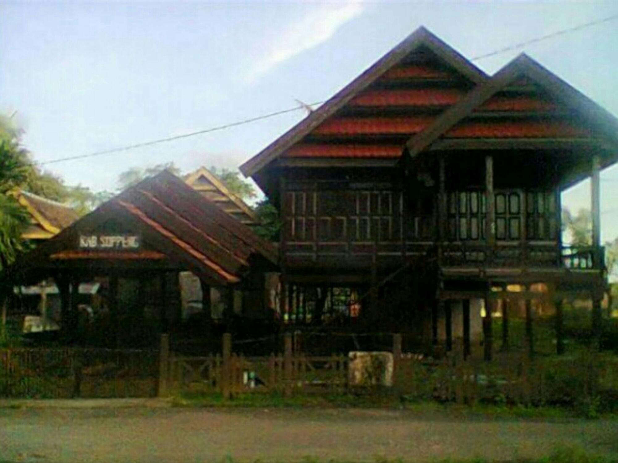 Gambar Rumah Adat Sulawesi 10 desain rumah adat sulawesi