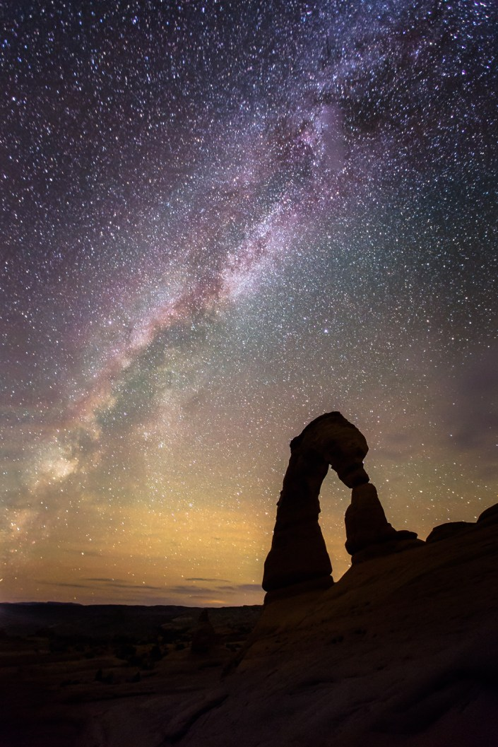 Arches national parks delicate arch under the milky way