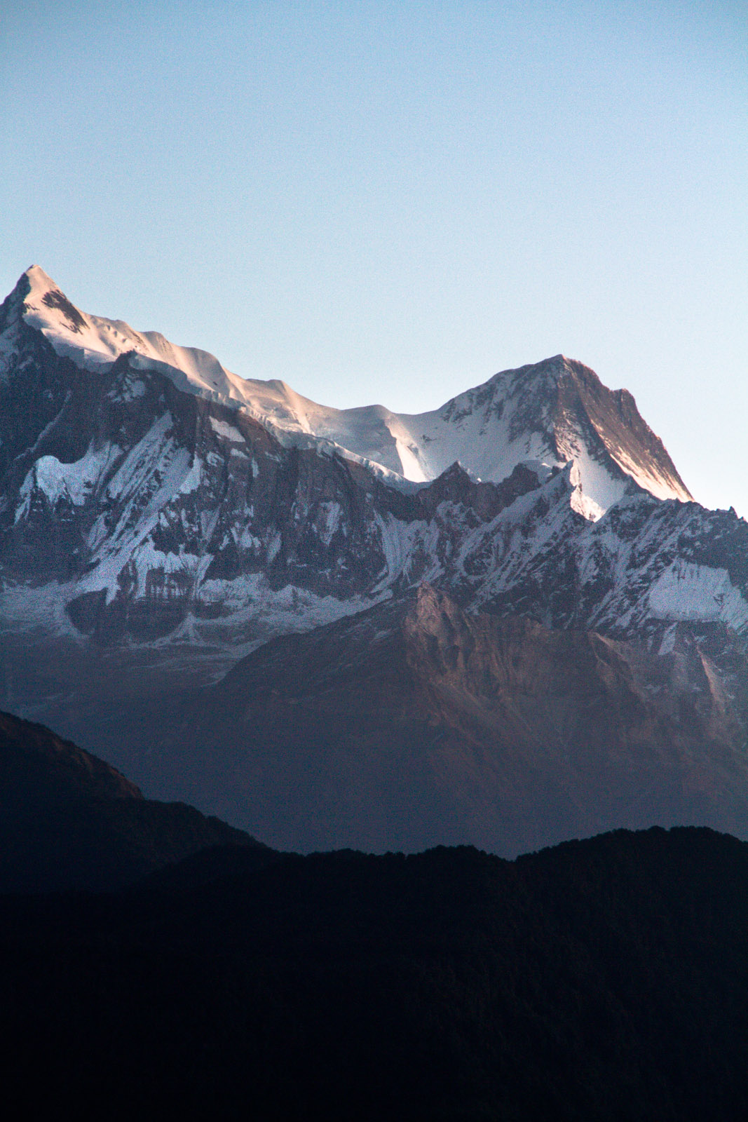 picture of apline mountains in the himalayas
