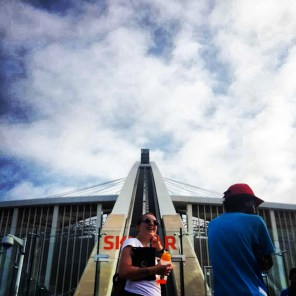Charlene (@rainbowgored on Twitter) and Sandile Nene (@SandyNene) in deep discussion before heading up the Sky Car.