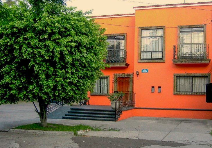 An orange house in Guadalajara. Jalisco