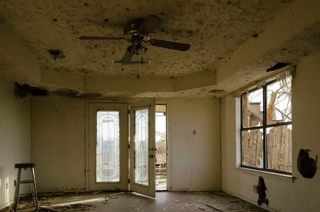 Urbex at an abandoned house in Prosper, Texas