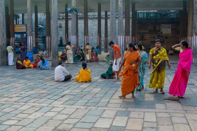 Worshipers at the Nataraja Temple