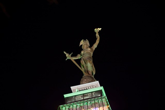 Victory on top of the Soldiers' and Sailors' Monument