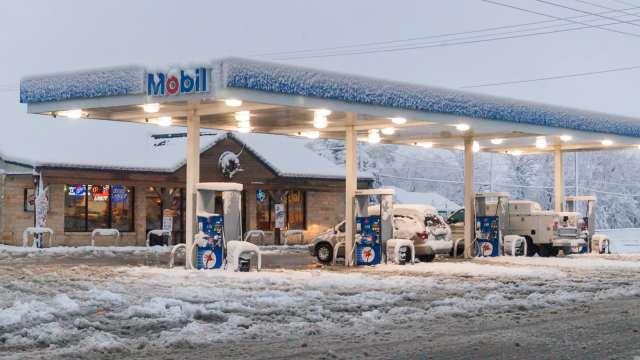 Mobile Gas Station in Snowmageddon 2010