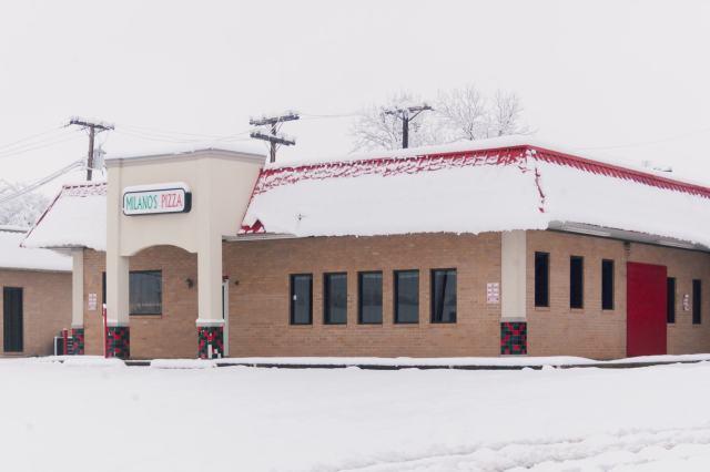 Milanos Pizza in Snowmageddon 2010
