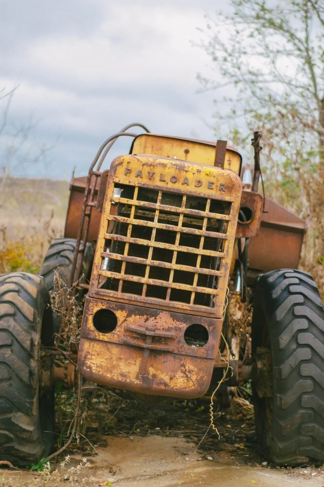 An abandoned antique International Payloader traactor