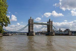 Die berühmteste Klappbrücke der Welt: Die Tower Bridge.