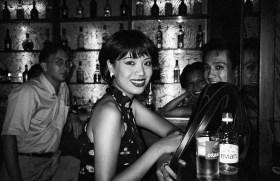 Binh & Henry au Gecko. Saigon, 1995
