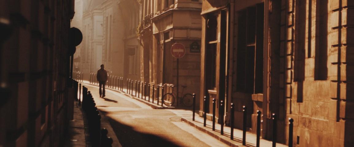paris petite rue au soleil