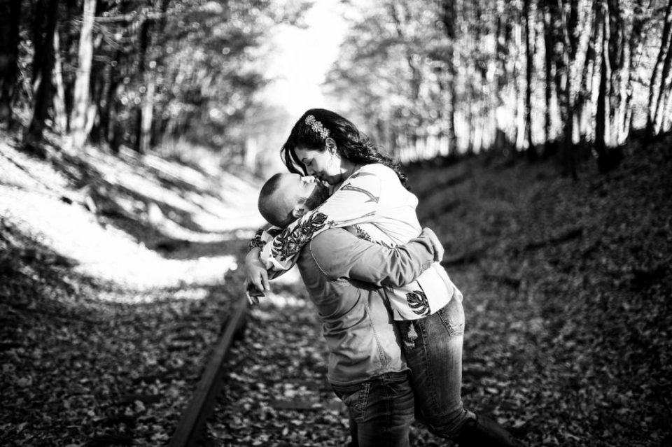 Man lifts fiancee on abandoned railroad tracks in Union City PA