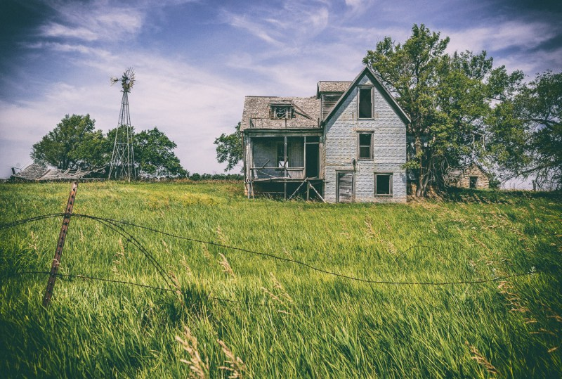 An old abandoned homestead we saw on our 3,000 mile road trip across the US.