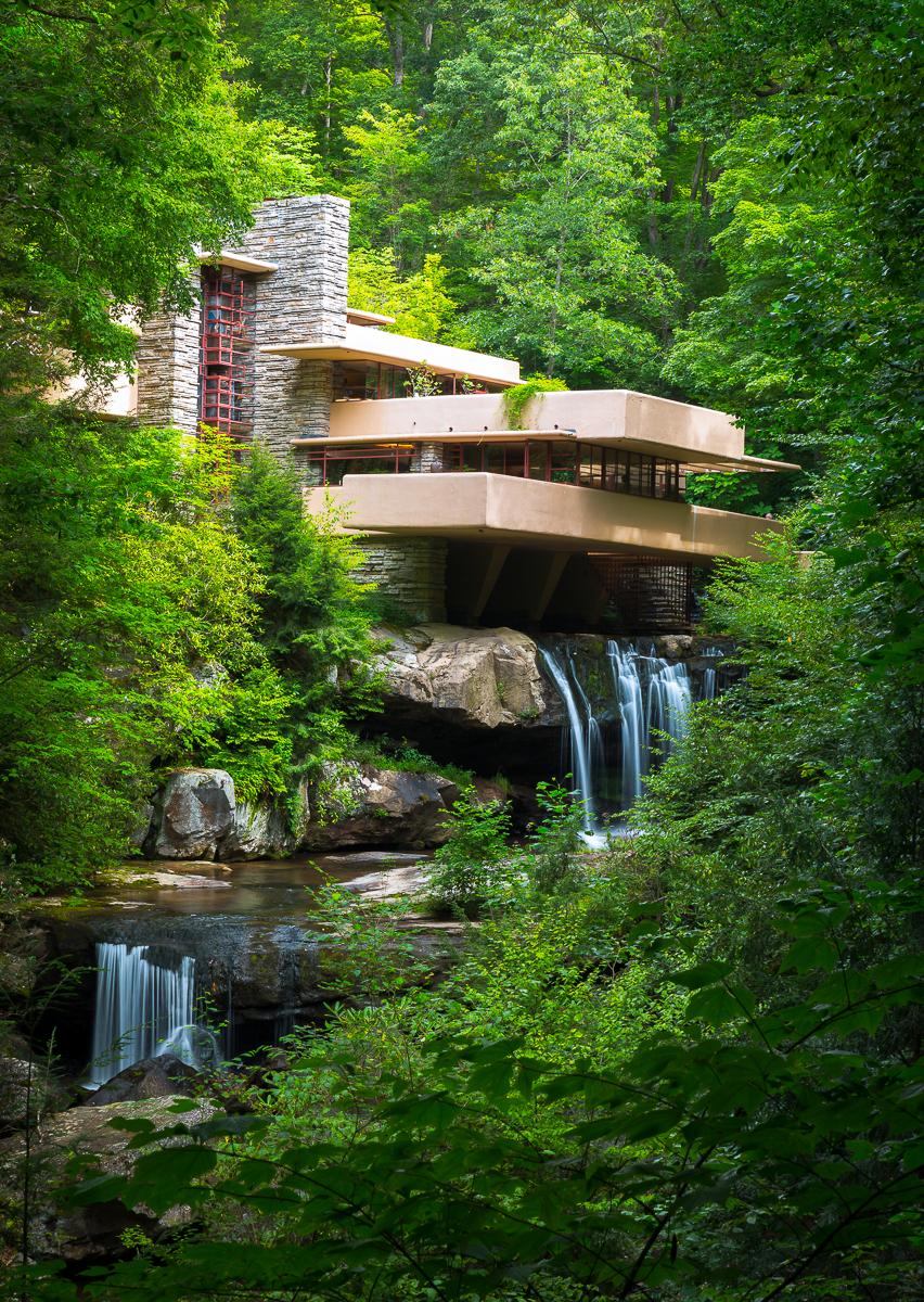 Frank Lloyd Wright's Fallingwater masterpiece