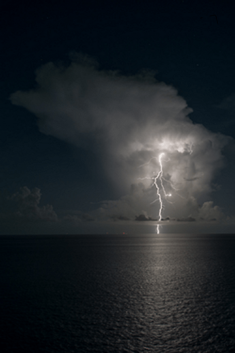 Cloudy Weather Hd Wallpapers Lightning Hitting The Ocean Matthew S Island Of Misfit Toys