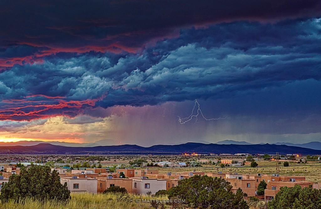 Santa-Fe-Storm-1400