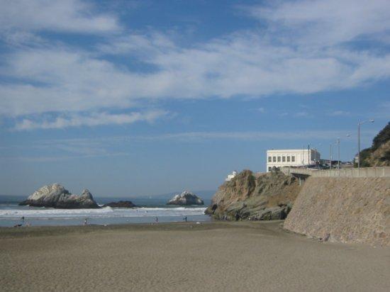 sanfran20071194041820cliff-house-at-ocean-beach