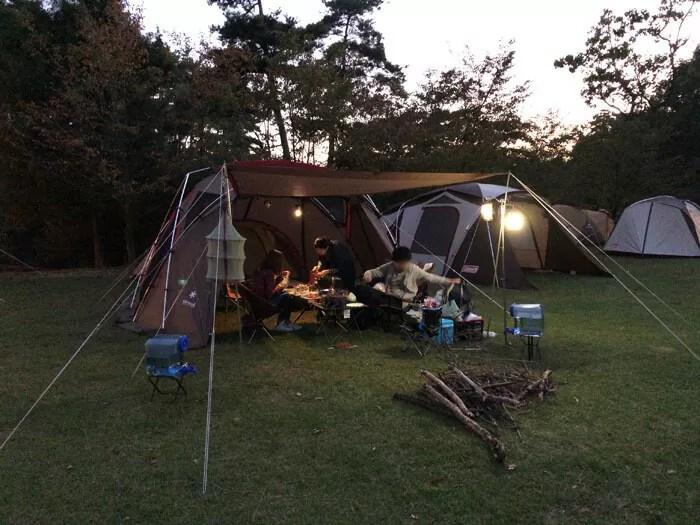 亀島キャンプ場で夕飯の準備