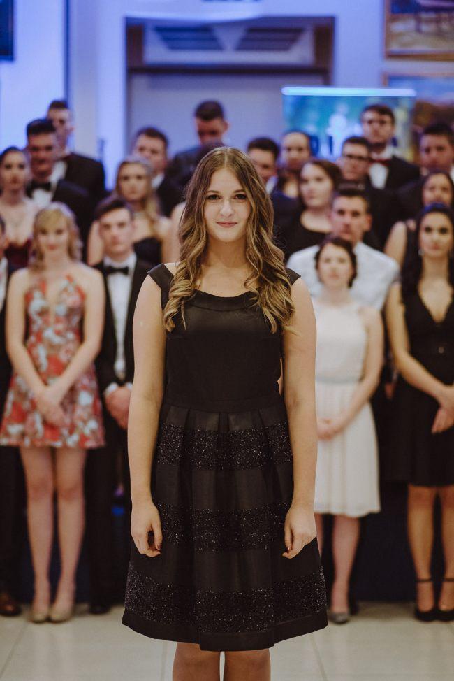 20180303-Maturantski-Ples-Farmacevtska-šola-4b-Galaksija-1138