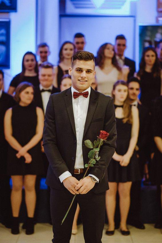20180308-Maturantski-Ples-Računalniška-Šola-R4A-Galaksija-1124