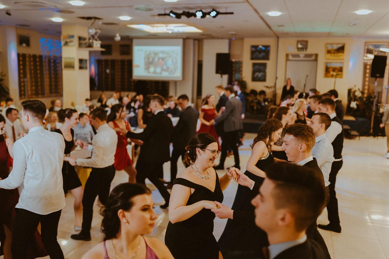 20190207 Maturantski Ples Zdravstvena šola Z4B 2598