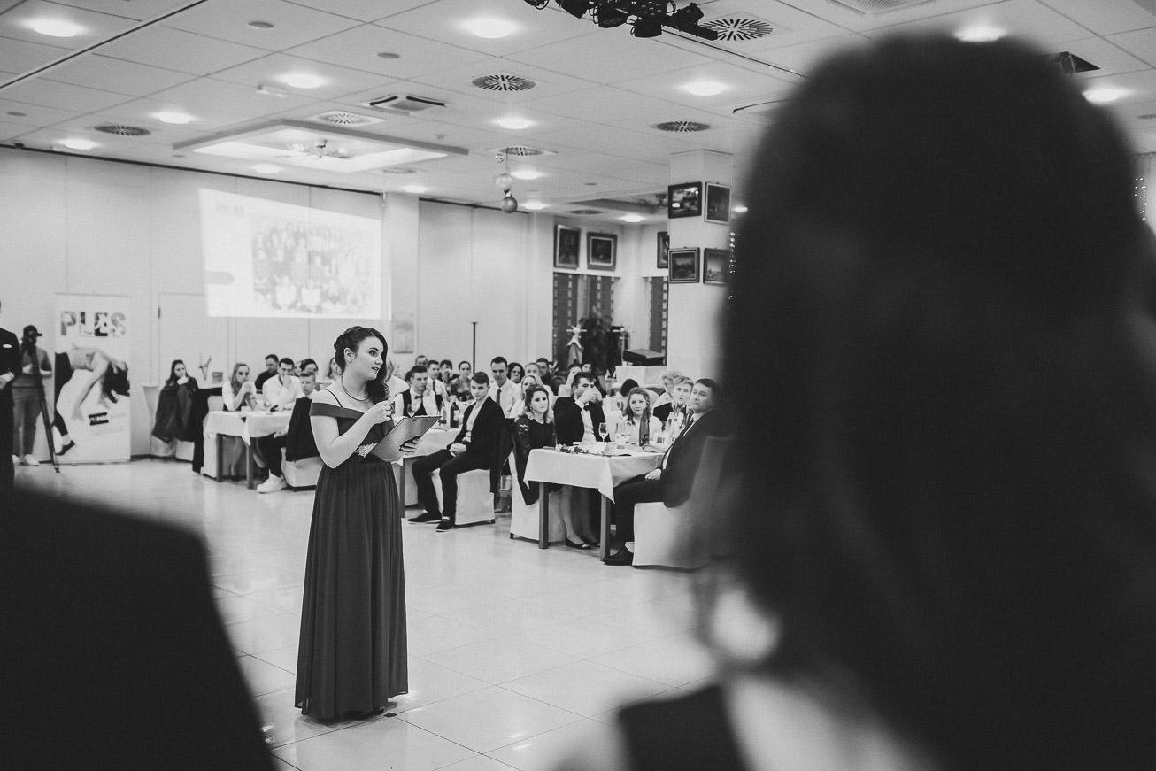20190207 Maturantski Ples Zdravstvena šola Z4B 1157