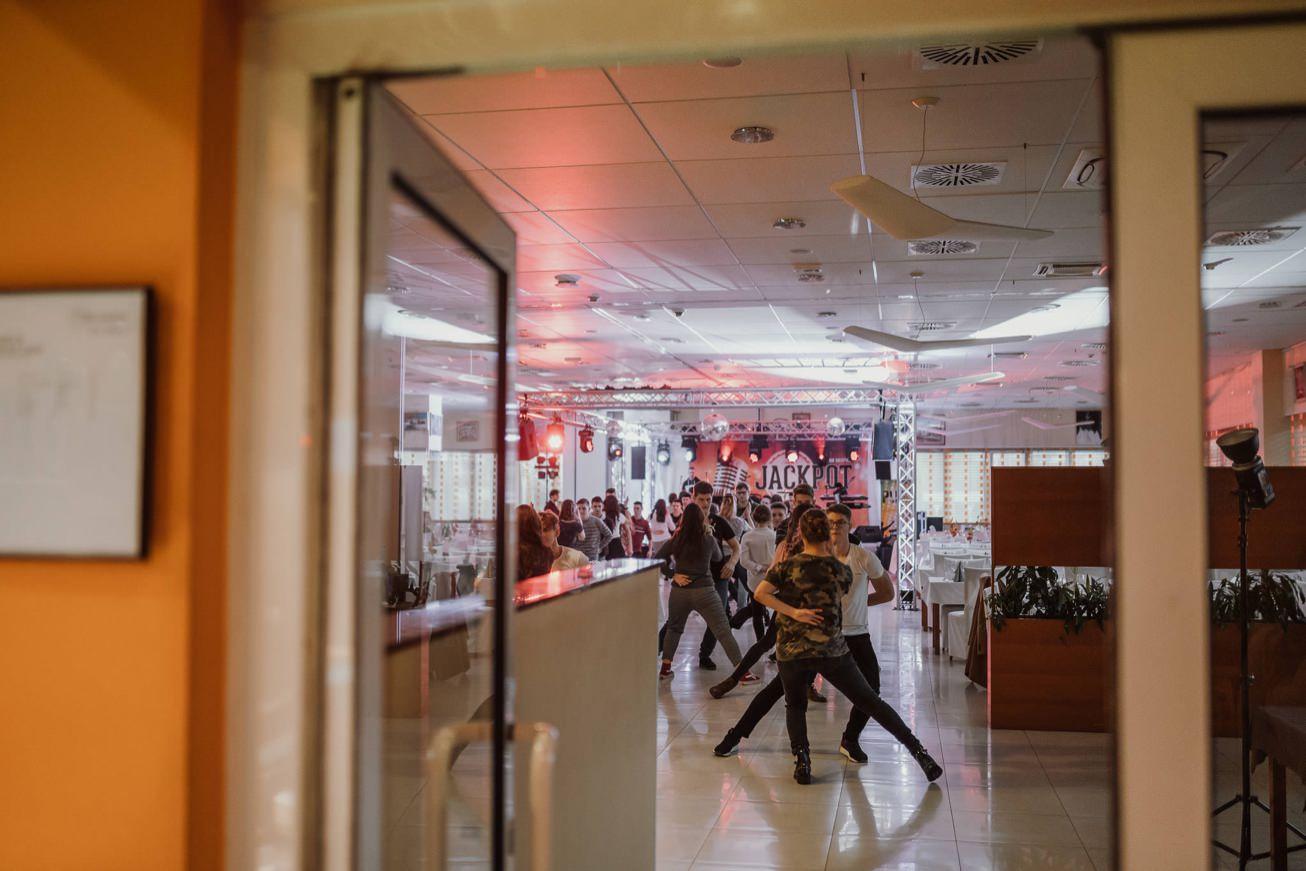 Gospodarsko razstavisce Ljubljana fotograf maturantski ples 1
