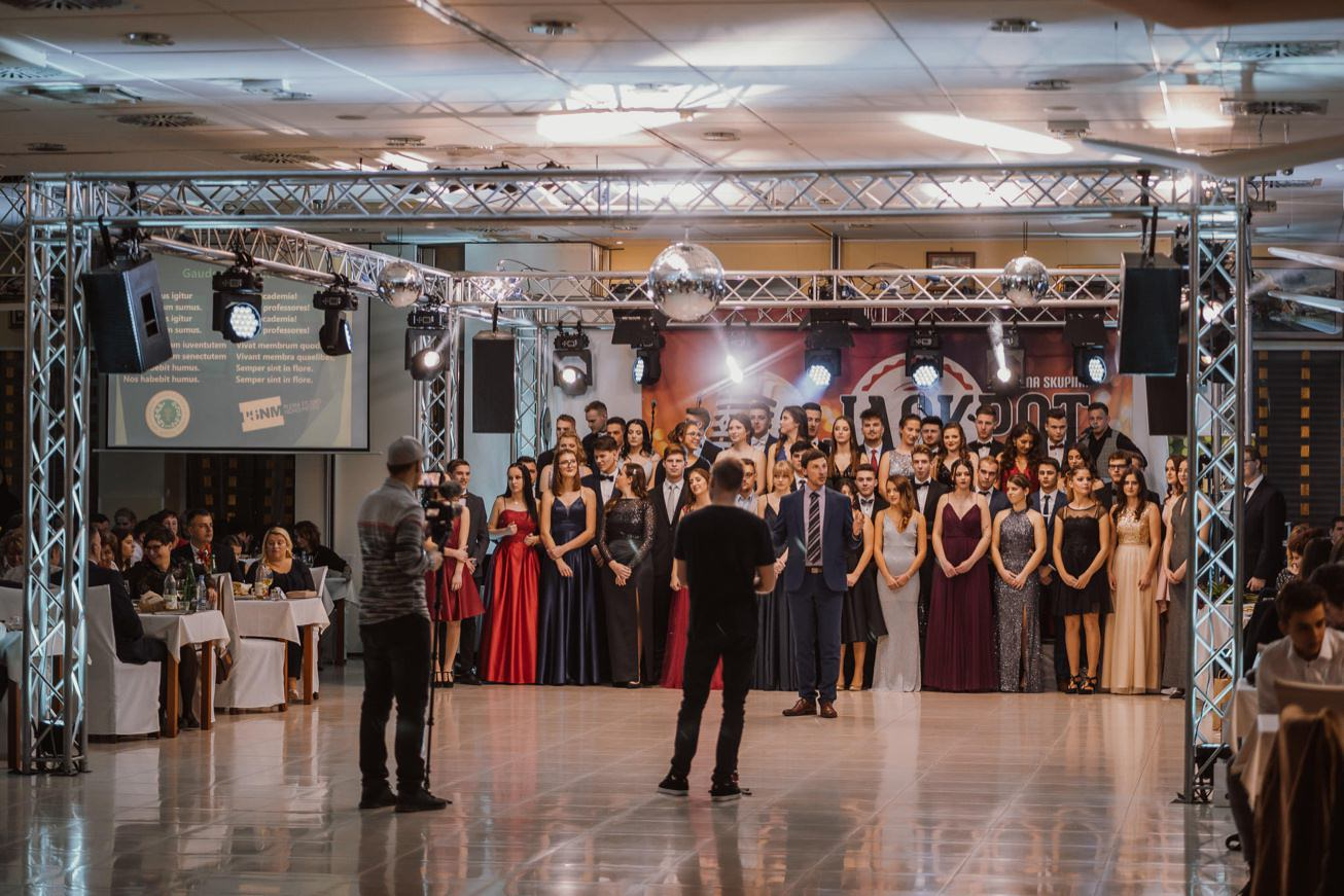Gospodarsko razstavisce Ljubljana fotograf maturantski ples 23