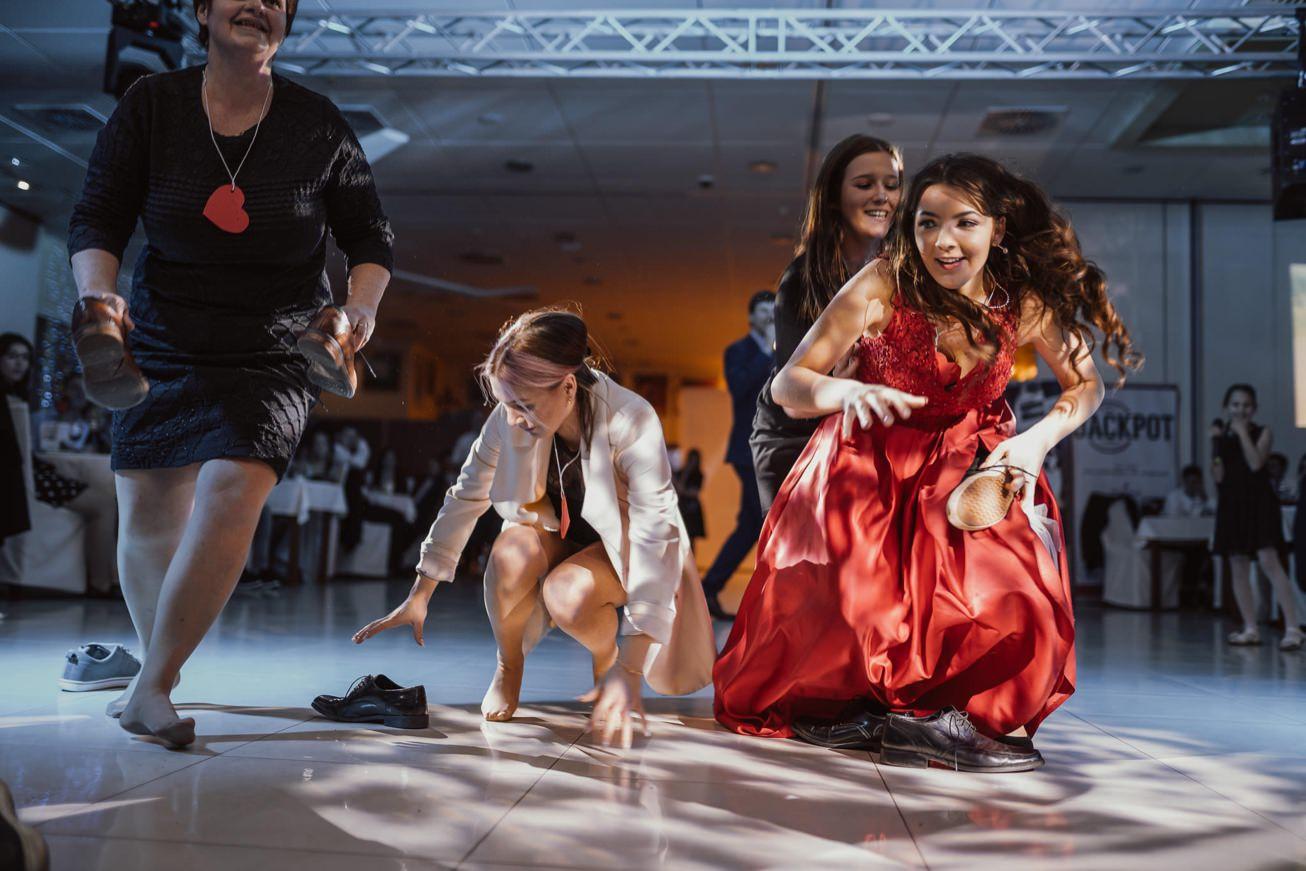Gospodarsko razstavisce Ljubljana fotograf maturantski ples 77