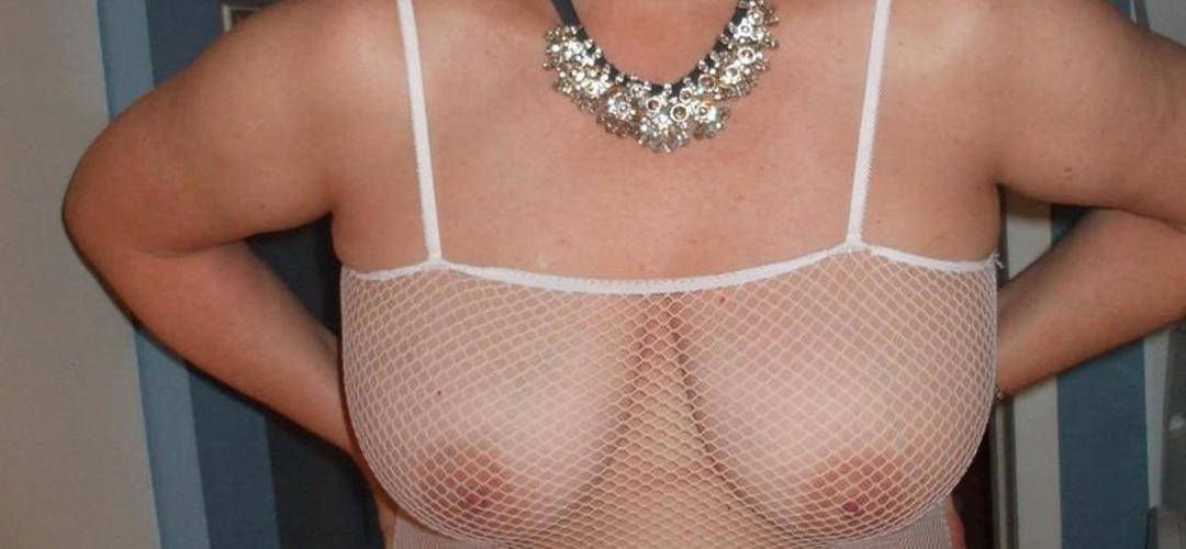 Busty Bliss, Engelse mollige mature milf met grote borsten