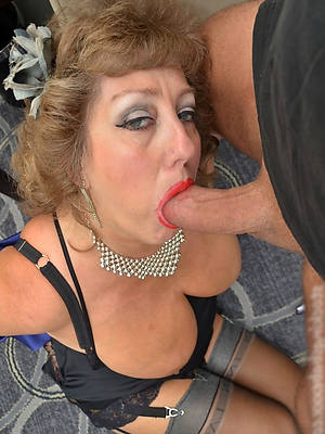Amature Mature Blowjob : amature, mature, blowjob, Amature, Mature, Bottomless, Blowjob, MatureWomenPics.com
