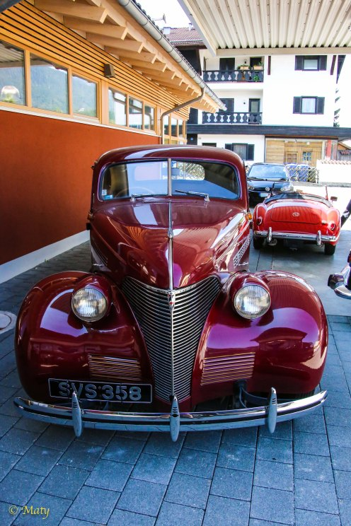 Red Chevrolet 1940 Special Deluxe
