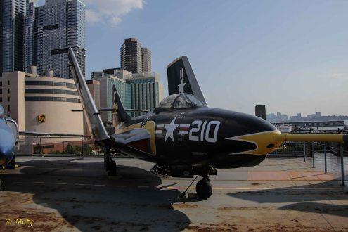 Grumman (USA F9F-8) AF-9J Cougar