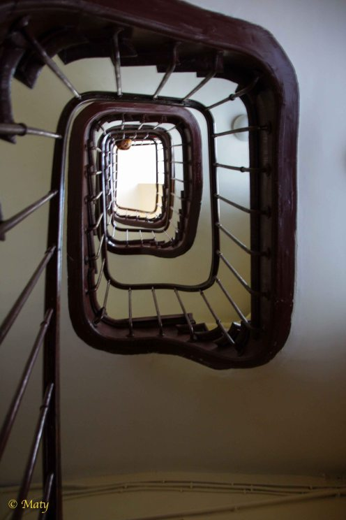 love those stairs!